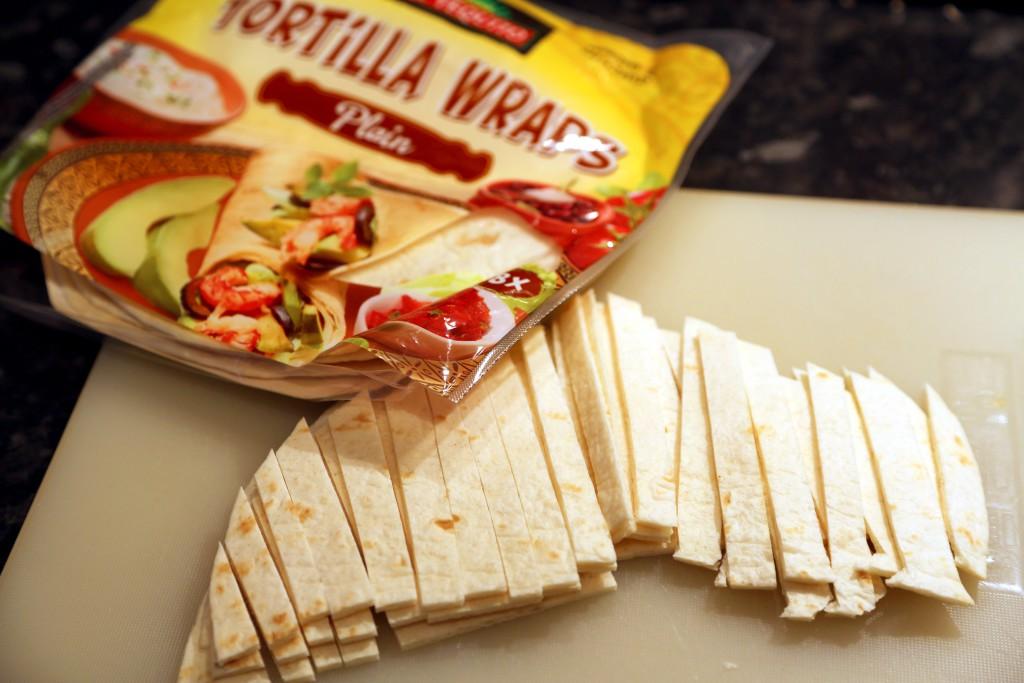 Tortilla je běžně k dostání v obchodech, vesměs pšeničná.