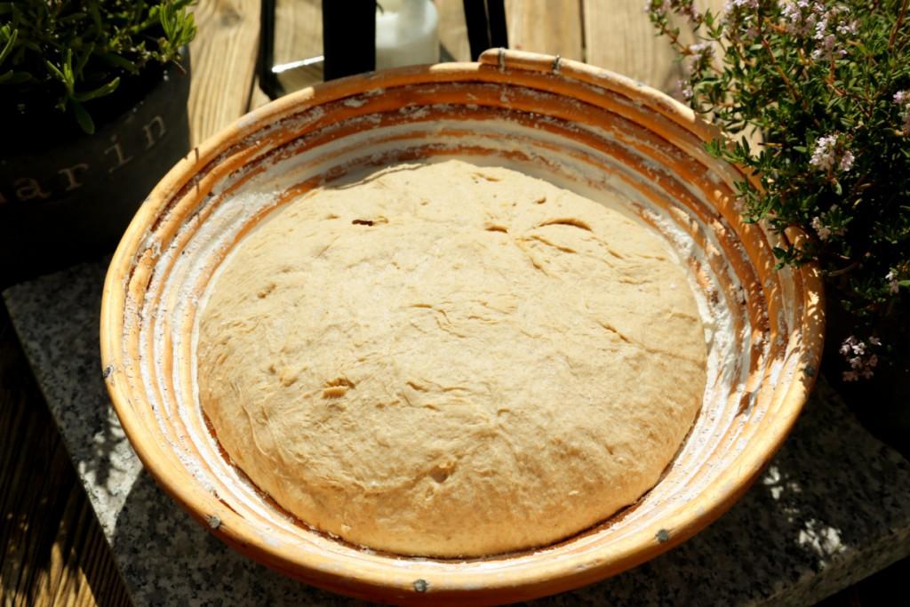 vykynutý chléb před vložením do trouby