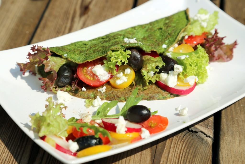 sýr feta je v harmonii s chutí bylin a zeleniny