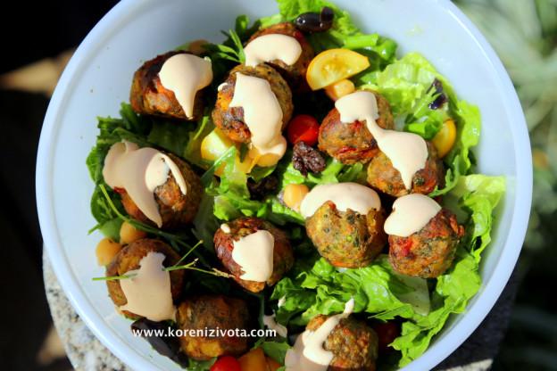 Zeleninové kuličky a pikantní majonéza jsou ideálním jídlem pro milovníky zeleniny
