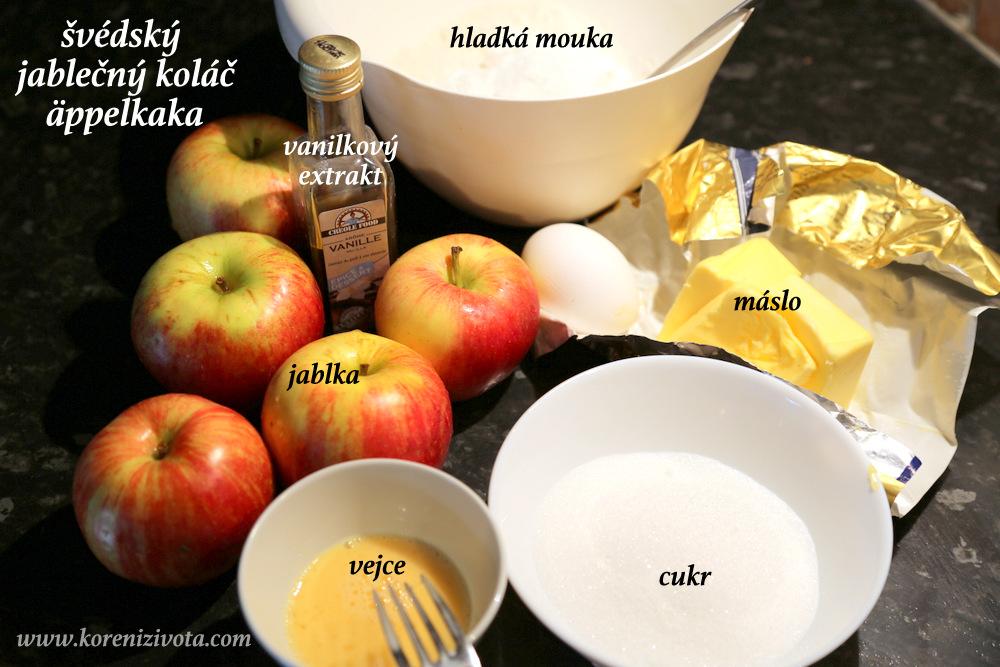 surovin je pouze několik: jablka, máslo, vejce, mouka, cukr, prášek do pečiva a vanilkový extrakt