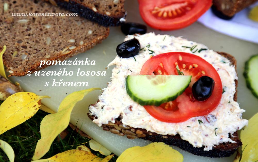 pomazánka si náramně notuje se žitno-pohankovým chlebem se semínky
