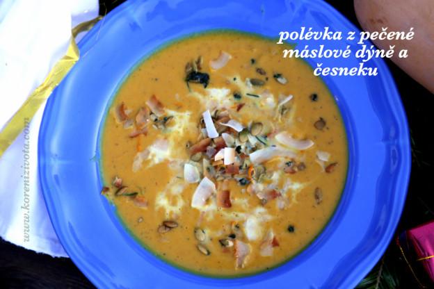 Polévka z pečené máslové dýně a česneku