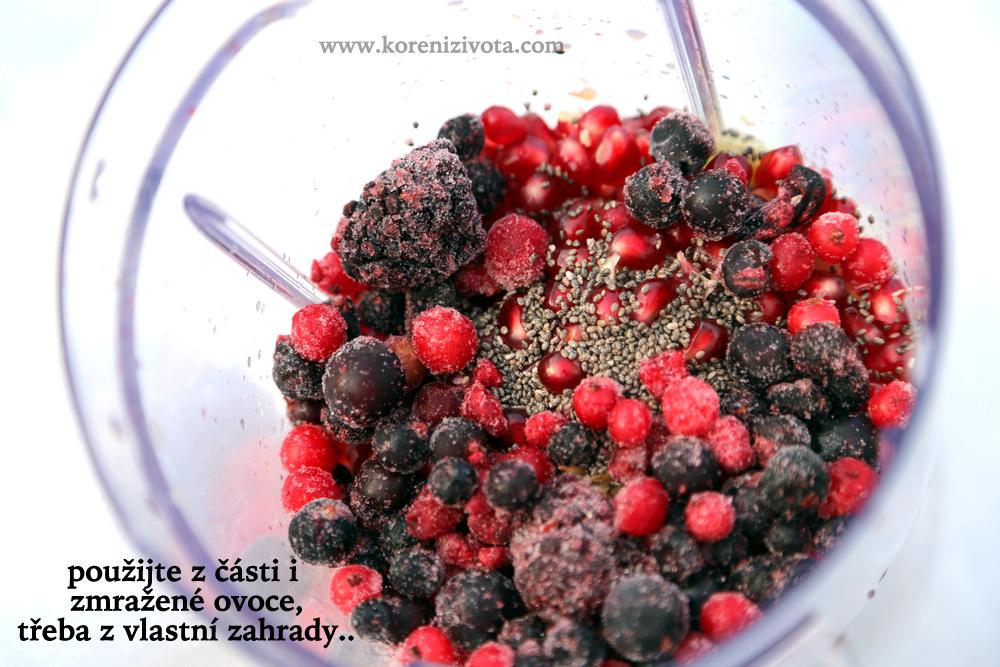 i ovoce z mrazáku se dá použít spolu s čerstvým ovocem