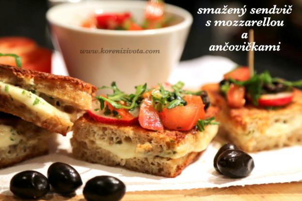 smažený sendvič s mozzarellou a ančovičkami
