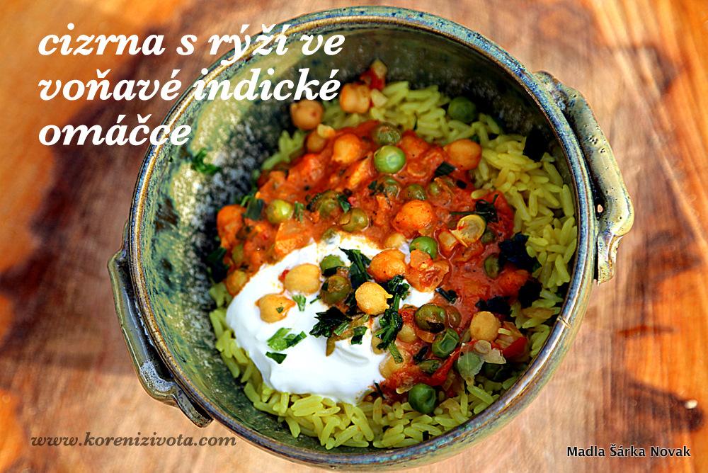 Cizrna s rýží ve voňavé indické omáčce s trochou jogurtu, který zjemní kořeněnou chuť
