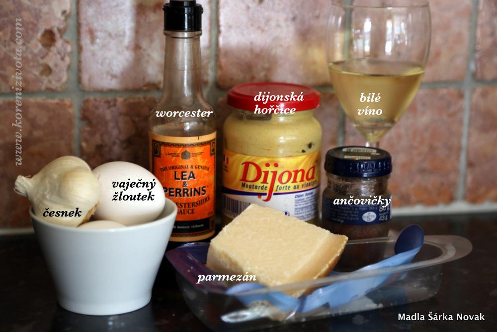 základní suroviny na dresink; patří k nim ještě olivový olej, rostlinný olej, sůl a pepř
