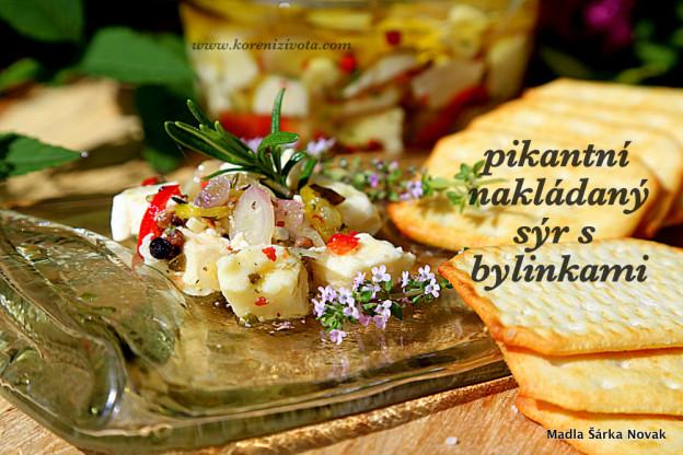 Nakládaný pikantní sýr s bylinkami