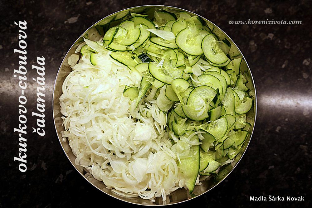 nakrouhaná zelenina před nasolením