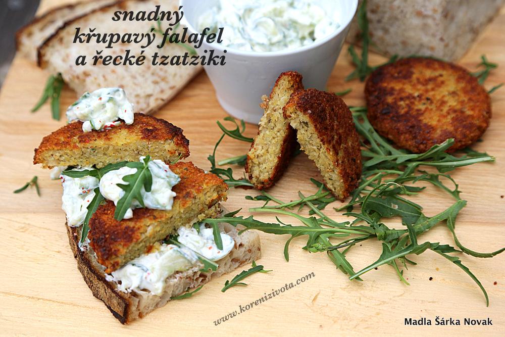 Snadný křupavý falafel a řecké tzatziki se dá servírovat i na plátku dobrého chleba
