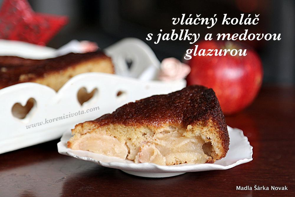 Vláčný koláč s jablky a medovou glazurou