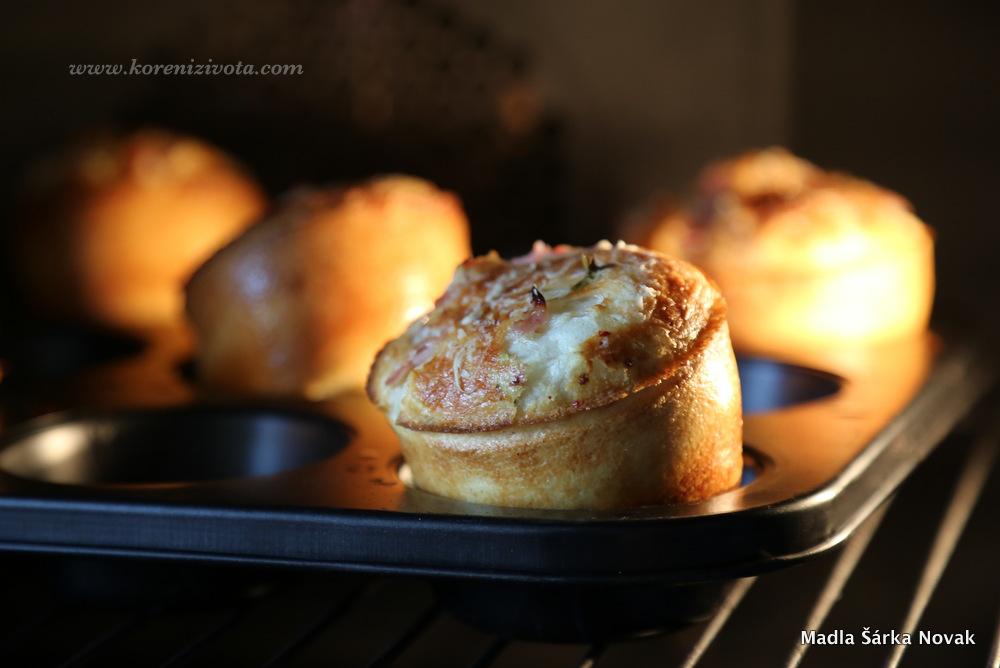muffiny naskočí krásně do výšky a do objemu během pár minut v troubě