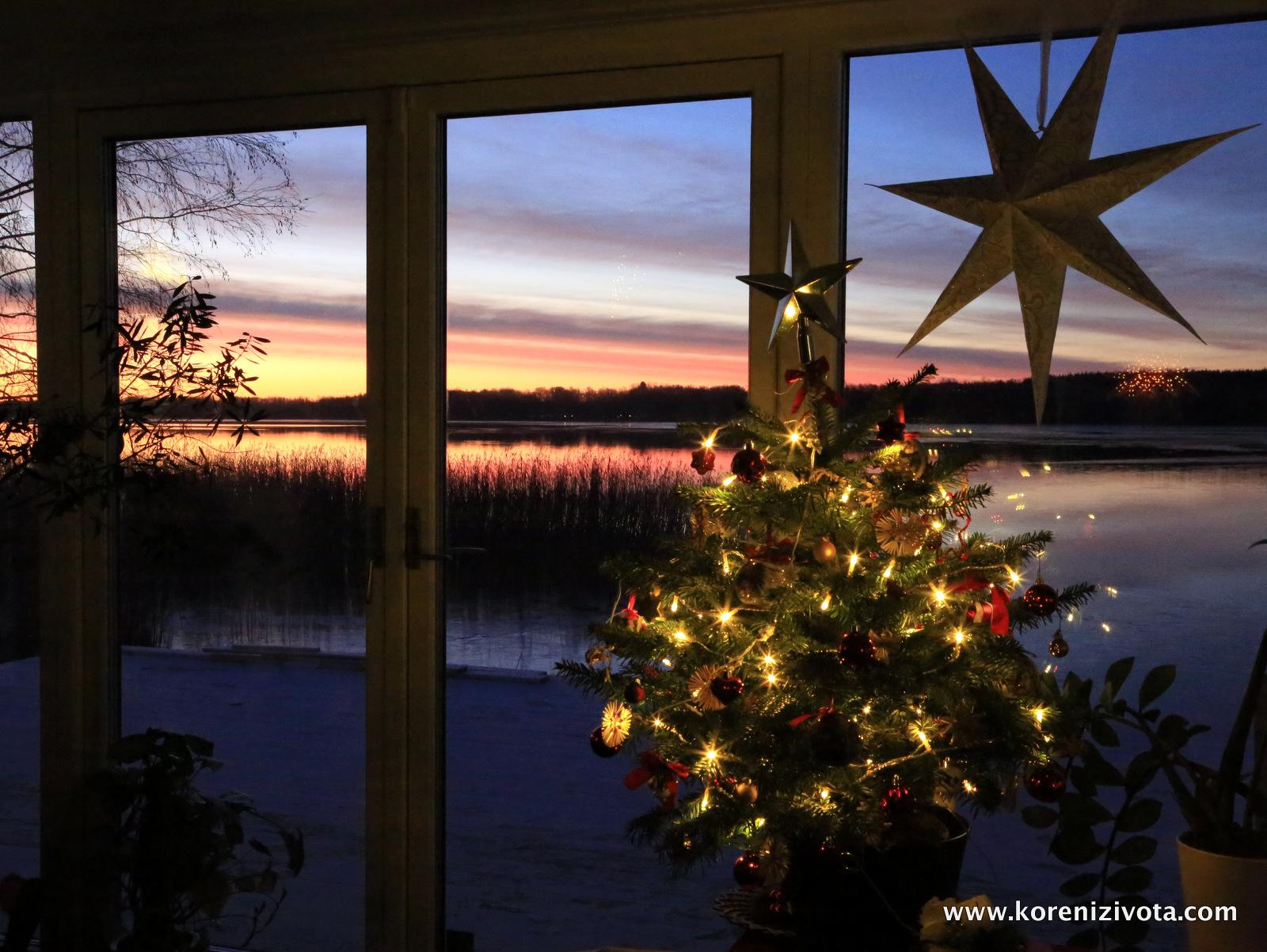 vánoční výhled z kuchyně
